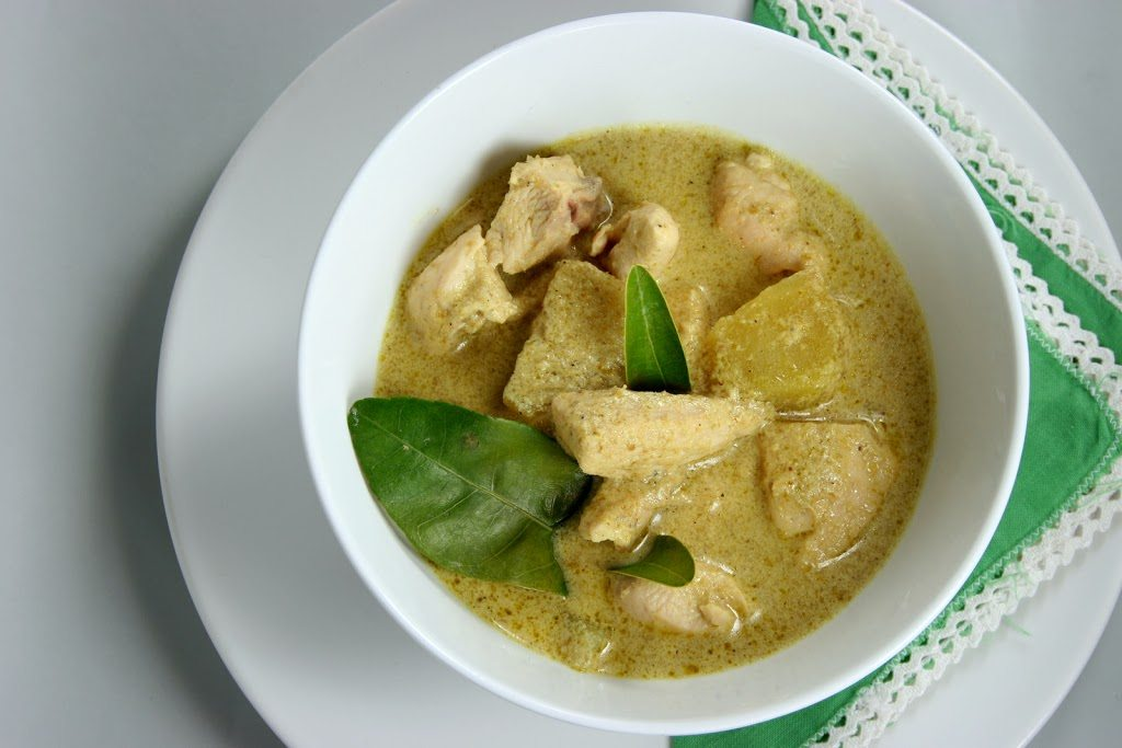 THAI GREEN CURRY (WITH CHICKEN)