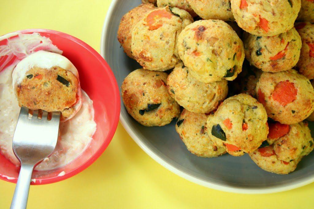 Polpette di verdure con salsa allo yogurt al curry
