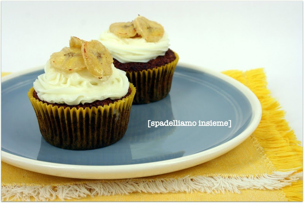Cupcakes alla banana con farina integrale e semi di lino