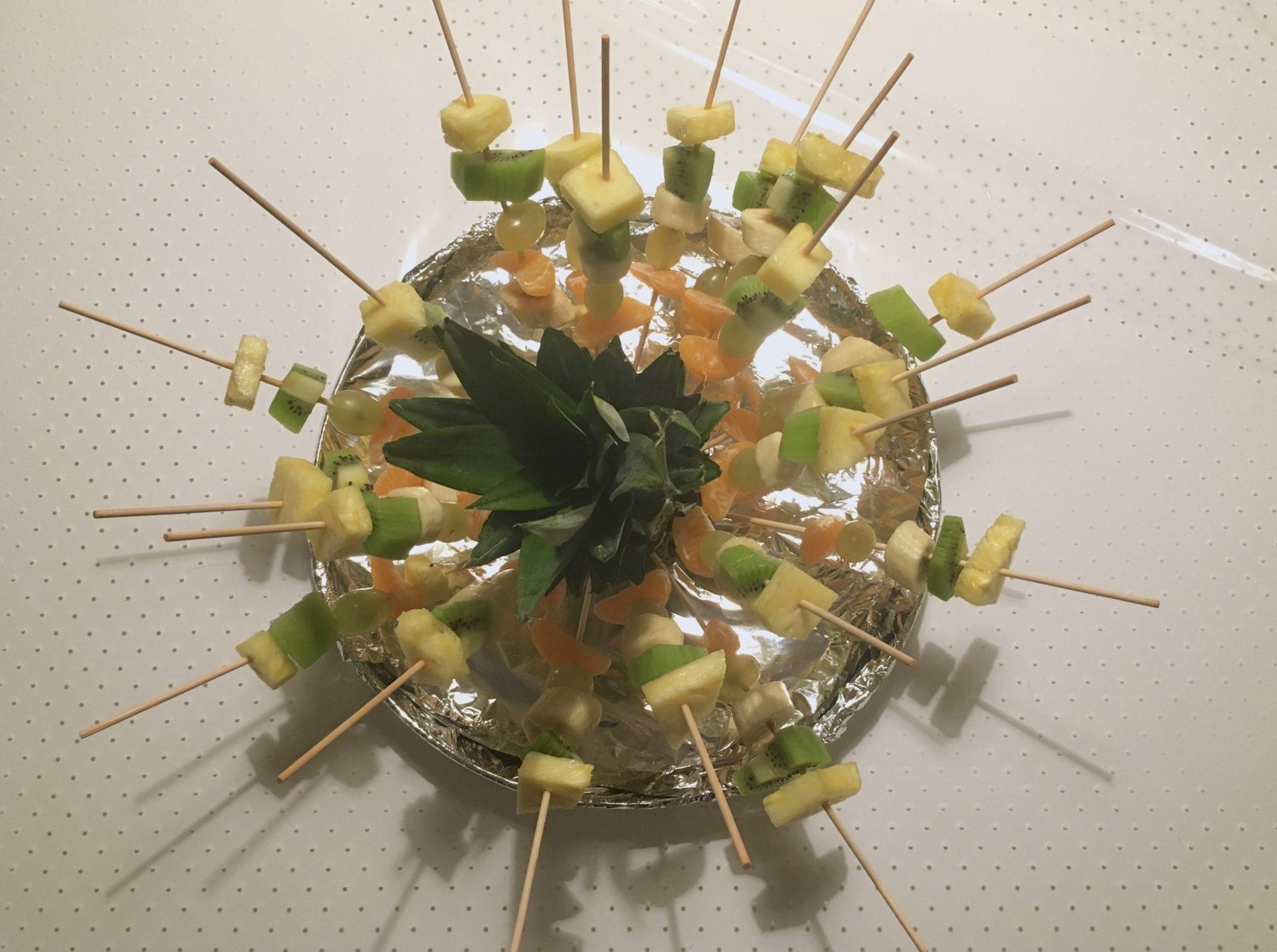 spiedini di frutta fresca di frutta frescaFullSizeRender 10