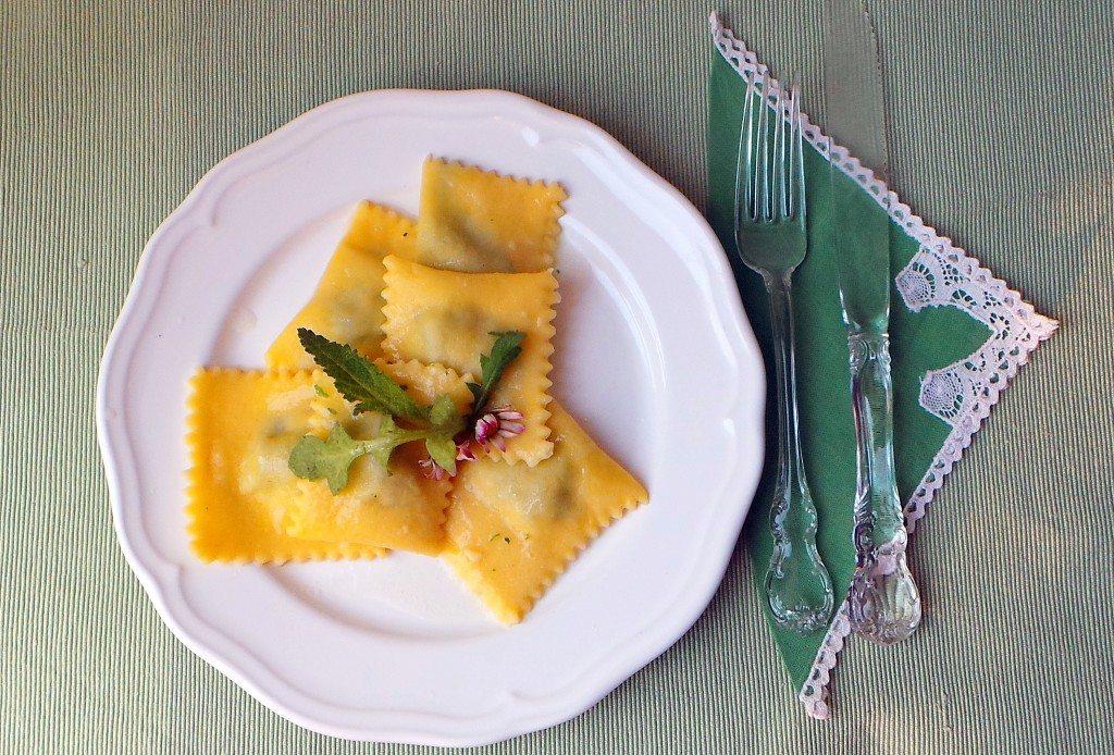 ravioli-ripieni-con toma-ed erbette