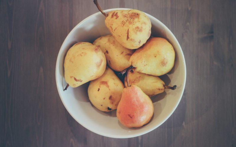 La cucina in giallo: crostatine alla frutta e crema pasticcera