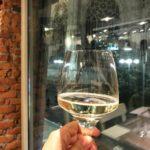 Se devi bere al massimo un bicchiere di vino alhellip