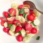 Il mio piatto preferito dellestate pomodori cetrioli e cipolla rossahellip